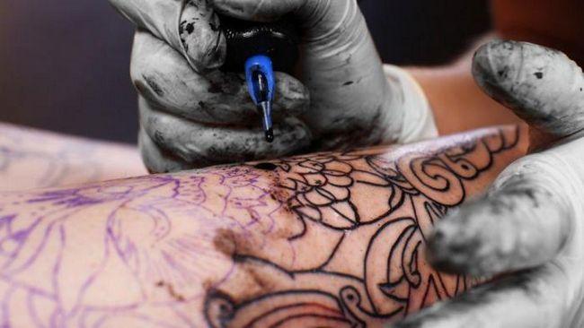 Чим може бути небезпечна татуювання?