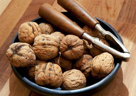 Чим корисні волоські горіхи? Зробіть подарунок своєму організму