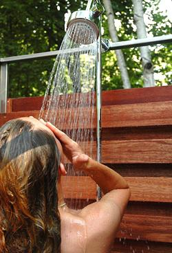 Що потрібно знати, перед тим як спорудити дачний душ своїми руками?