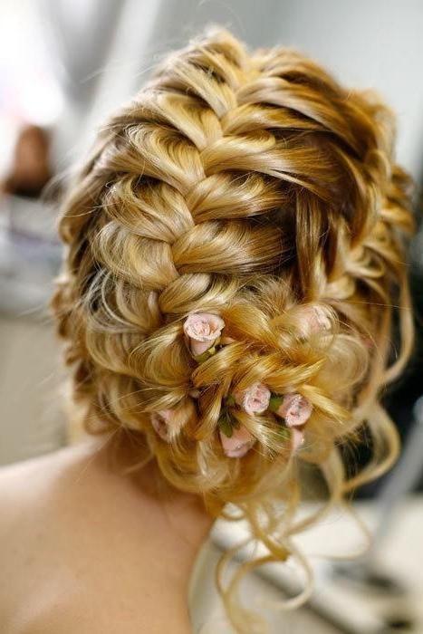 Квіти з волосся. Зачіски на свято