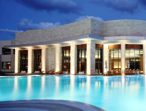 Для приїжджають в геленджик: готелі з басейном
