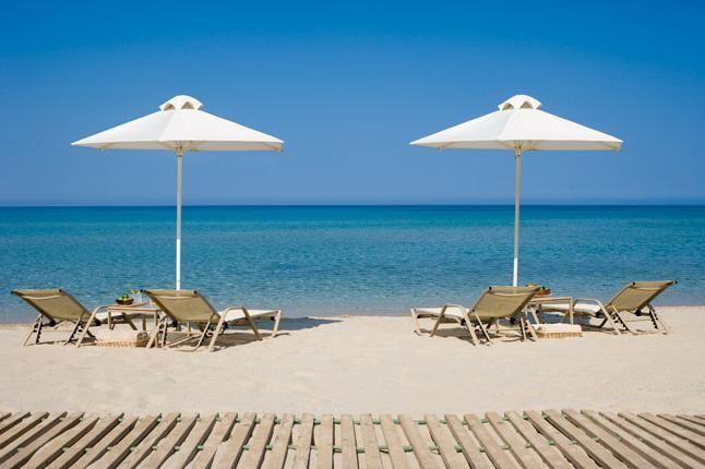 пляжний відпочинок в жовтні