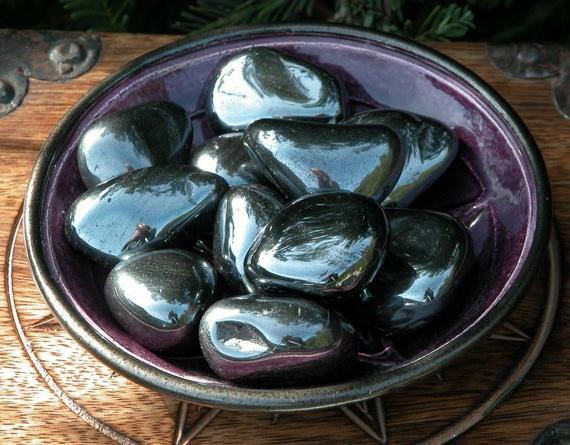 Гематит камінь. Магічні властивості і застосування