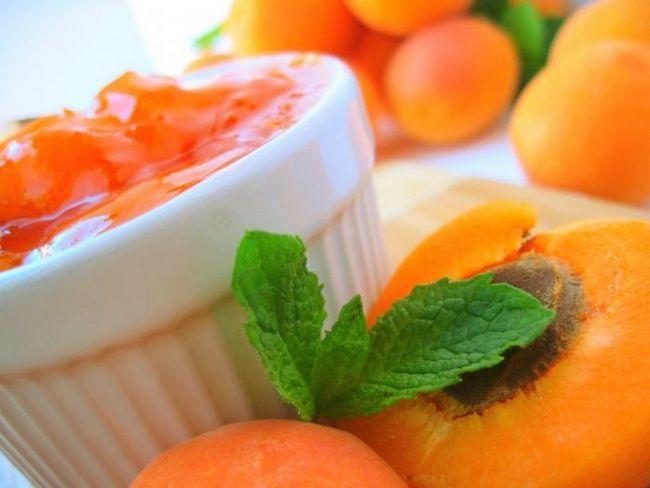 Готуємо абрикосовий джем з простих продуктів