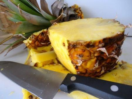 Як чистити ананас - кілька простих порад