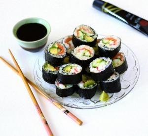 Як їдять суші в японії