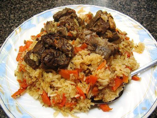 Як готувати узбецький плов з баранини будинку?