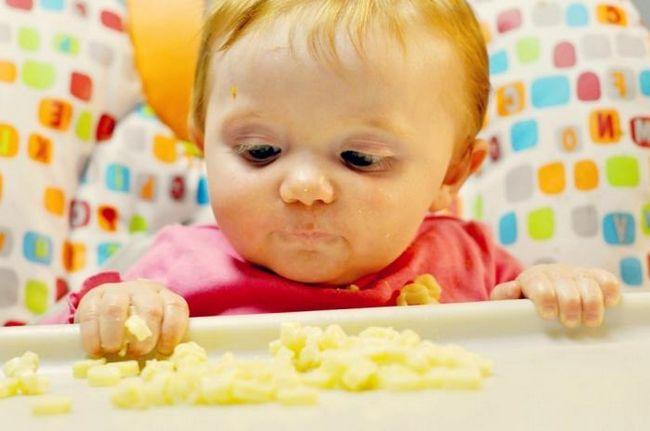 Як і коли починати прикорм грудничка - поради мамам