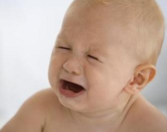 Як лікувати нежить у немовляти: поради і рекомендації