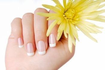 Як відростити довгі нігті за короткий термін?
