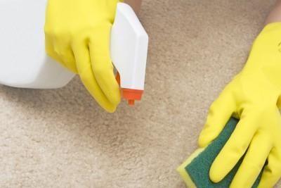 Як почистити килим в домашніх умовах? Дуже просто!