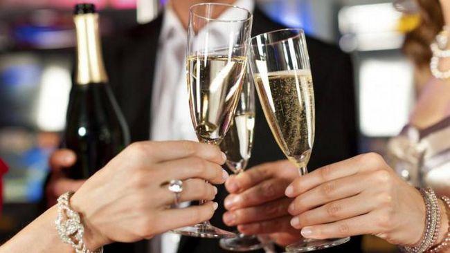 Як з`явилося шампанське? Історія святкового напою