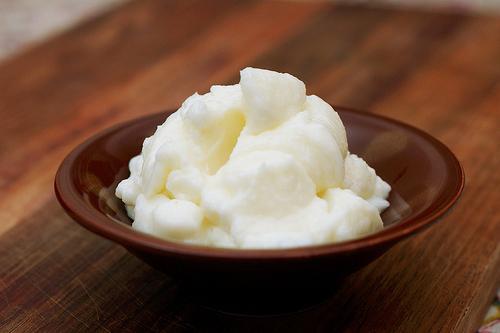 Білий часниковий соус