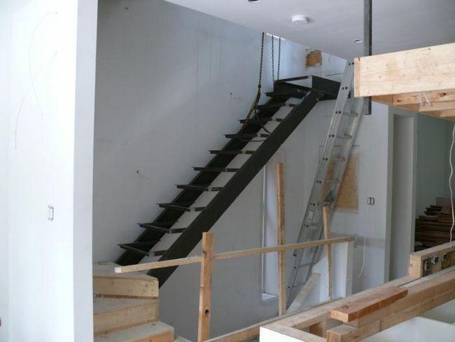 Як зробити сходи на другий поверх: рекомендації