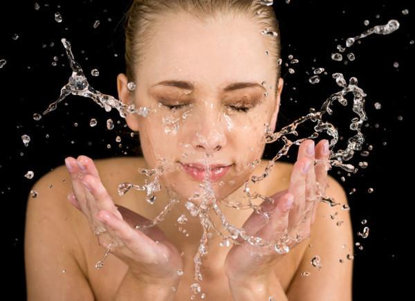 Як зробити обличчя ідеально чистим: кілька порад