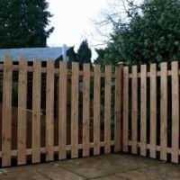 Як спорудити дерев`яний паркан своїми руками
