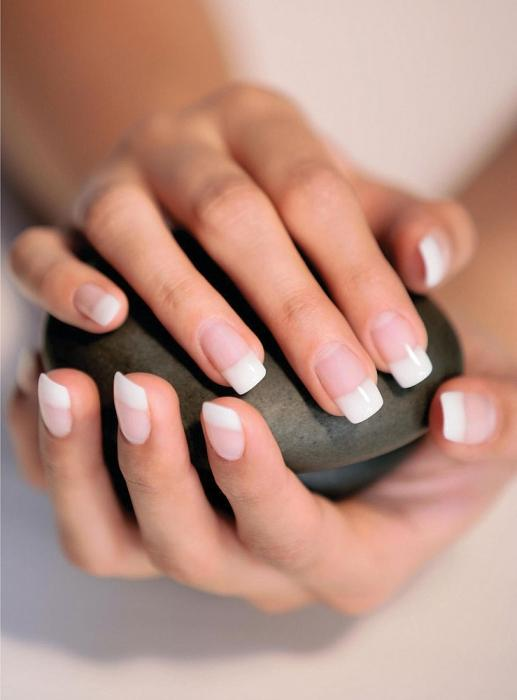Як зміцнювати нігті вдома
