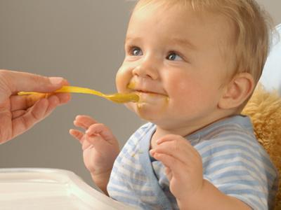 Як вводити прикорм дітям? Практичні рекомендації