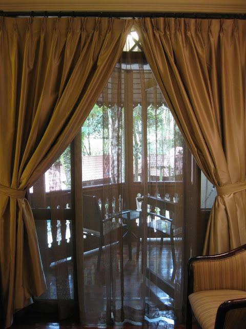 Які вибрати штори на балкон?