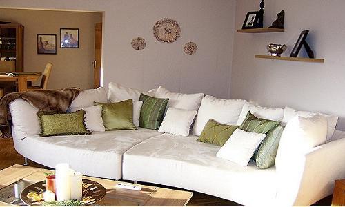Якими можуть бути покривала на кутовий диван