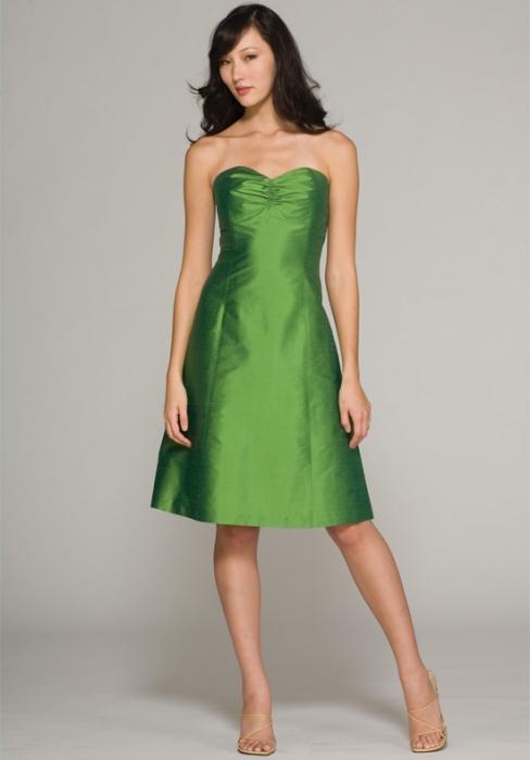 зелену сукню на весілля подруги