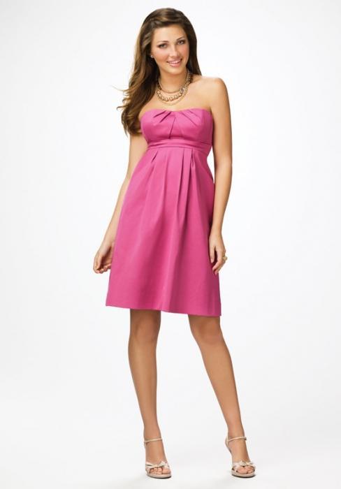 рожеве плаття на весілля подруги