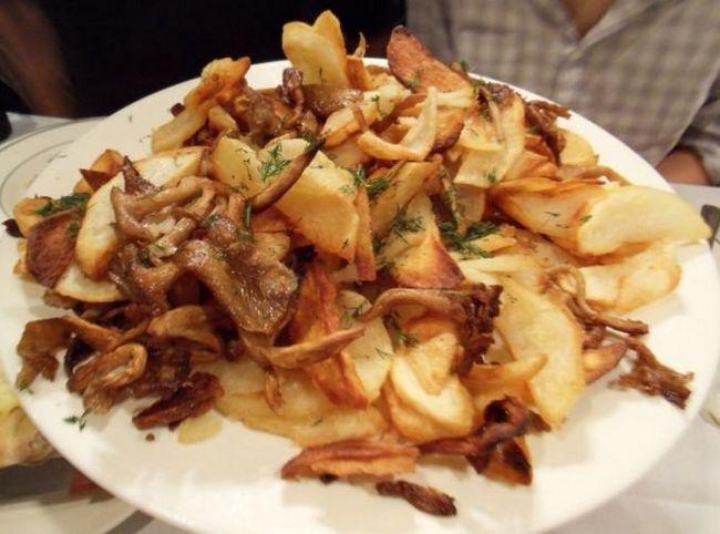 Картопля смажена з грибами: швидко, просто, неймовірно смачно!