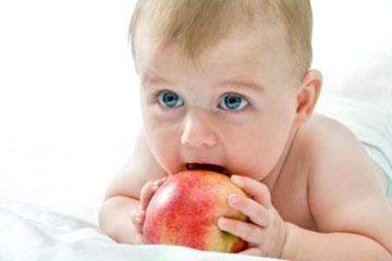 Коли і як ввести прикорм малюкові
