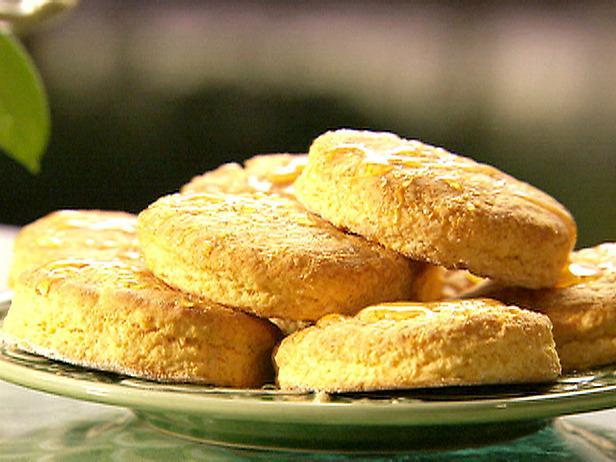 Легкий рецепт печива трьох видів: пісочного, сирного і кокосового