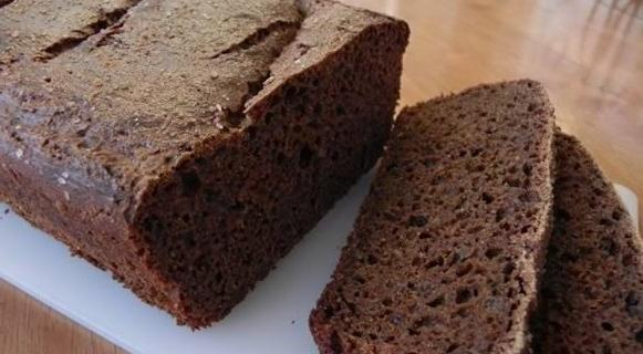 Маска для волосся з чорного хліба - порятунок для шевелюри!