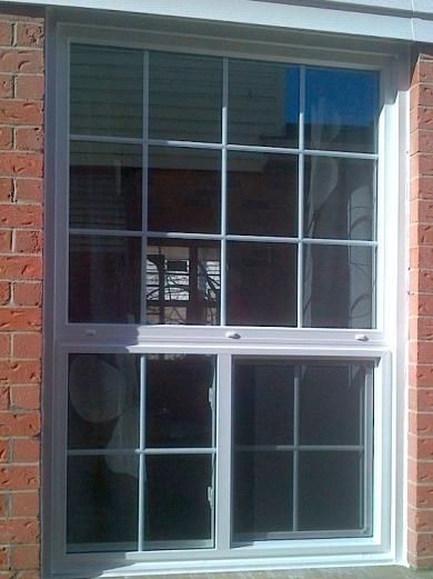 Лиштва на вікна - краса чи захист?