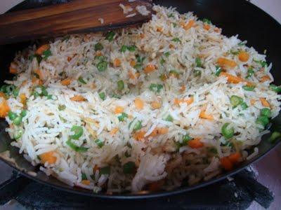 Відварений рис - низькокалорійне блюдо