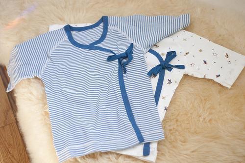 Пелюшка, повзунки, сліп, сорочечка для новонародженого - збираємо придане для малюка