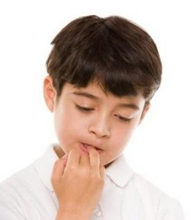Чому діти гризуть нігті: причини і методи боротьби зі звичкою