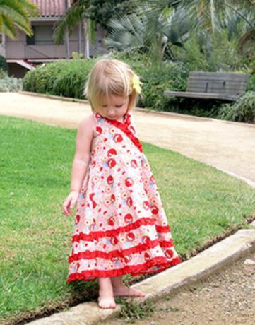 Привід для творчості: сукні для дівчаток своїми руками