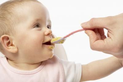 Прикорм дітей на грудному вигодовуванні. Правила введення