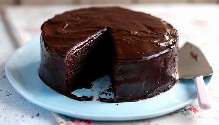 Простий рецепт шоколадного торта за півгодини