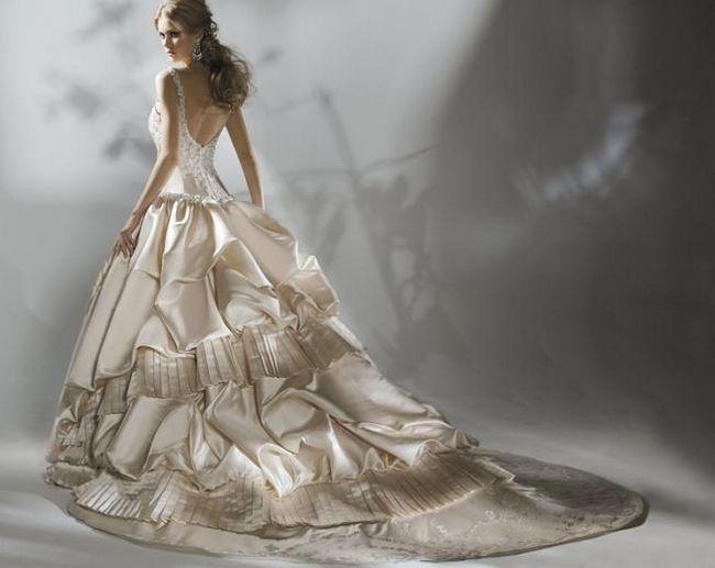 найкрасивіше весільну сукню в світі
