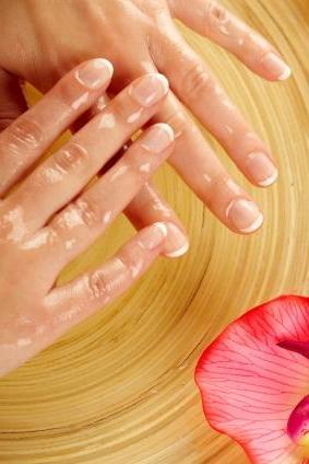Найефективніші ванночки для нігтів в домашніх умовах