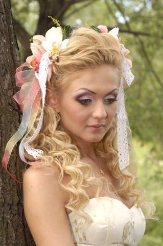 Найніжніші і романтичні зачіски зі стрічками