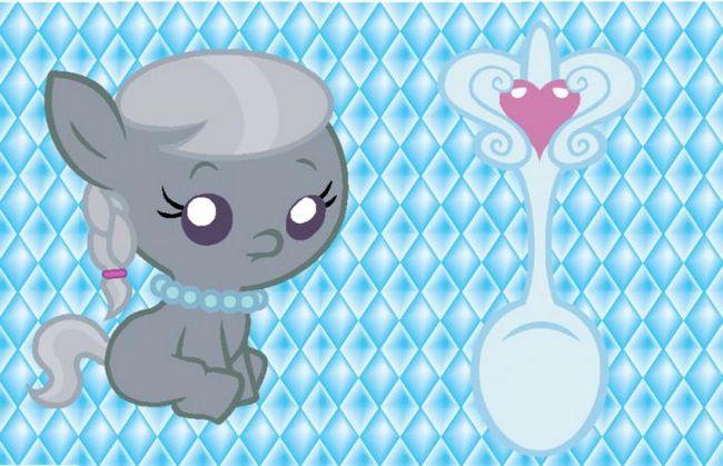 Срібна ложка для дитини. Чим не подарунок?