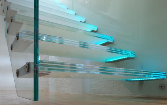 скляна гвинтові сходи