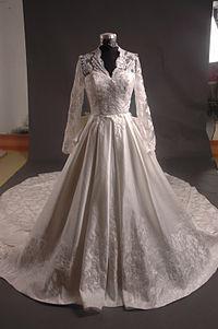 Весільні сукні кейт миддлтон - які вони?