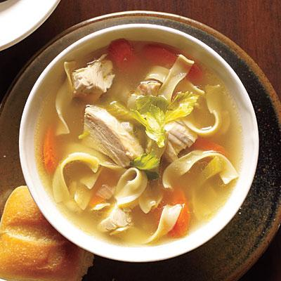 Вчимося готувати. Рецепт курячого супу з вермішеллю і інші ідеї перших страв