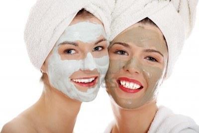 Догляд за собою: маски з білої глини для обличчя