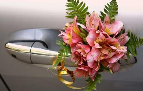 Прикраса машини на весілля - як вибрати?