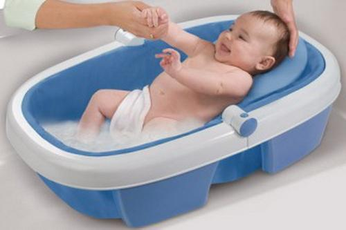 Ванночки для купання новонароджених - необхідний атрибут