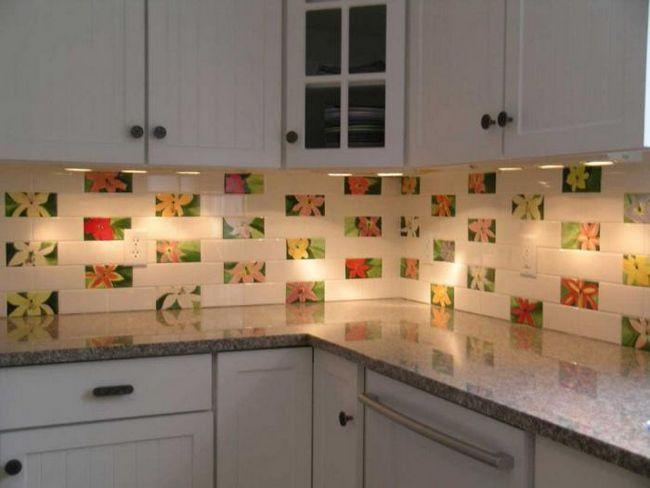 панно з плитки на кухню