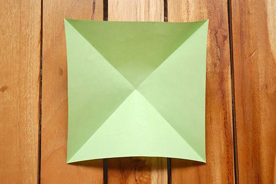 бомбочка з паперу