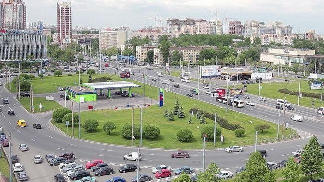 Знайомство з санкт-петербурга: площа конституції
